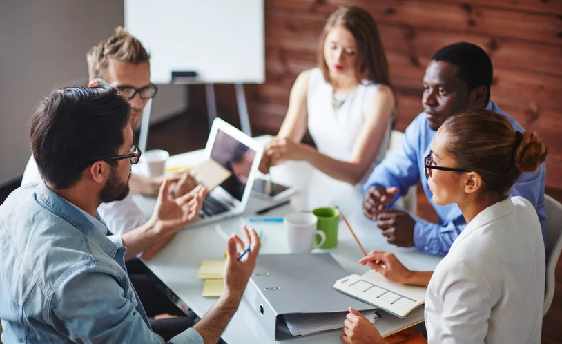 Characteristics of a Good Leader: Tips for New Managers